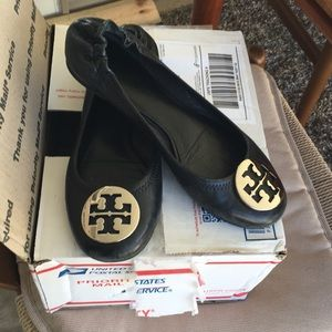 Shoes - Tory Burch black flats size 71/2.